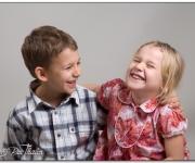 Glada barn