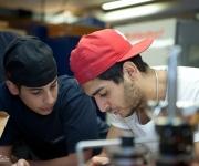 skolfotografering, elever i verkstad
