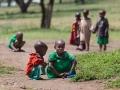 Masajbarn i en masajby Tanzania