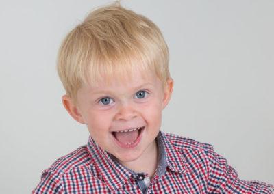 Barn i studion - Barnfotograf Bee Thalin Nacka Värmdö